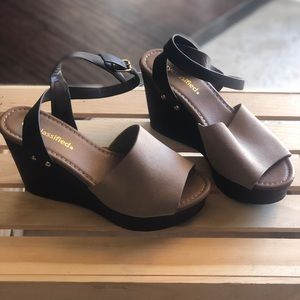 Shoes - New brown and tan wedges